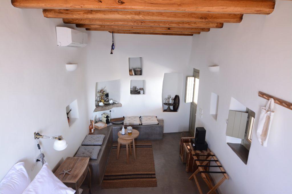 Eco-friendly cottage in Serifos Natura area interior space