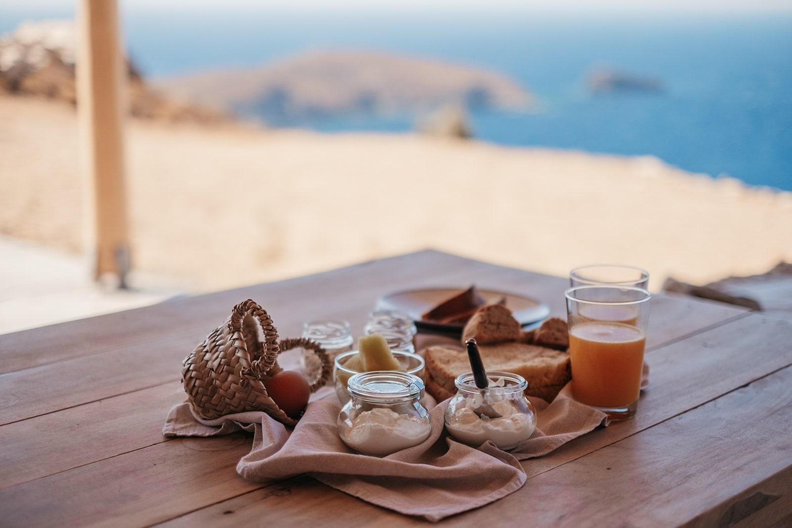 Keli Serifos traditional breakfast with sea view