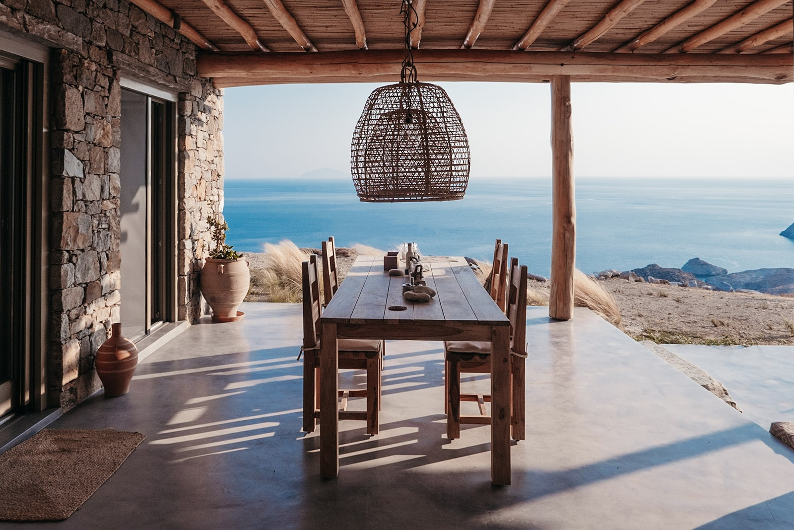 Mandri Cottage Serifos outdoor dining area with sea view